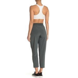 Z by zella Expression zip pocket ankle pants  S